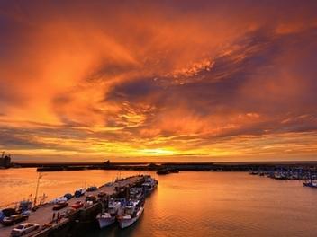 新竹 攝影 私房 景點 分享:藍天 南寮漁港