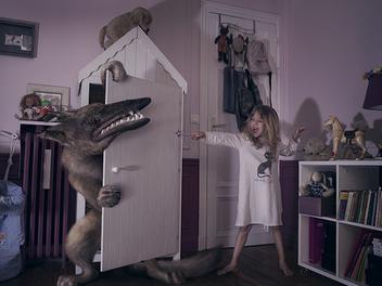 Fighting!!孩子們擊退幻想怪物的 創意攝影