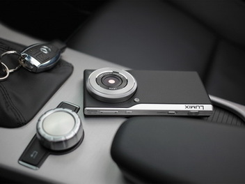 這才是照相手機!Panasonic CM1發表:搭載一吋感光元件、Leica鏡頭、厚度僅有1.52cm