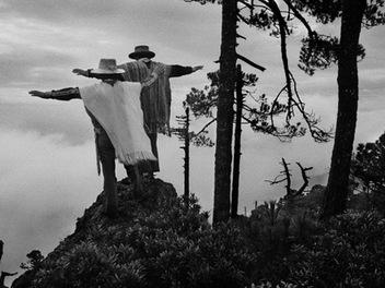 當代黑白影像紀實攝影大師薩爾卡多:數位與黑白影像美學
