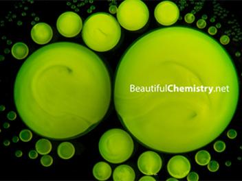 模糊理性與感性的界線,4K 拍攝 化學反應 的繽紛變化