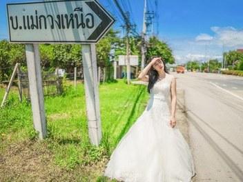 誰說中午不能拍人像?捕捉泰國街頭唯美婚紗
