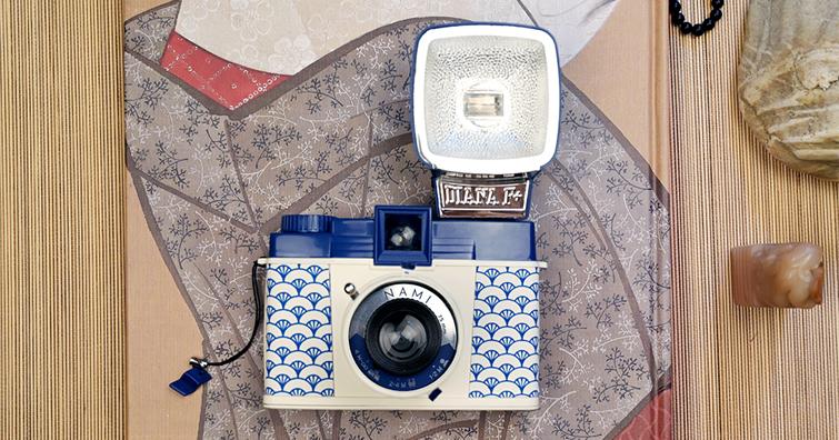 Diana F+ Nami 日系波浪版:復古的中片幅相機加入傳統日本青海波紋圖樣