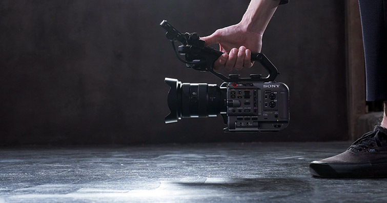 Sony Cinema系列全片幅專業攝影機FX6 以輕巧實現強悍規格,建議售價NT$ 239,980
